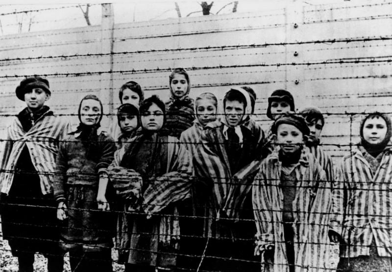 Фото детей жертв концлагерей 83